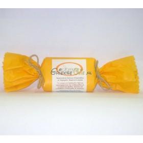 Zeep van biologische extra vergine olijfolie met kamille, wortelolie en jojoba